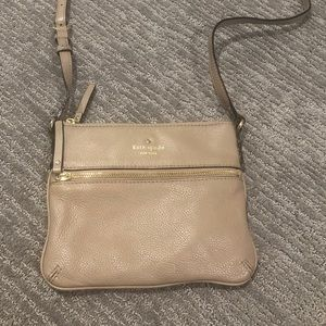 Kate Spade ♠️ small crossbody purse
